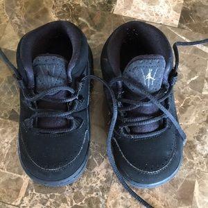 Euc Jordan's baby shoes 6Csz